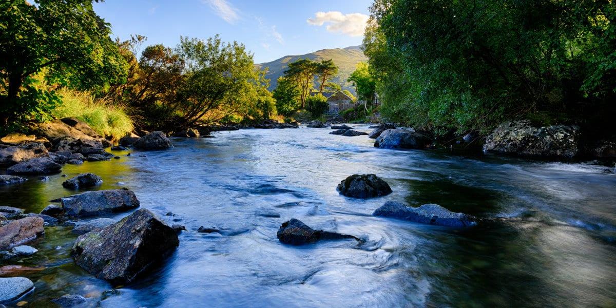 Afon Glaslyn in Snowdonia (Eryri), Wales (Cymru), UK, flowing pa