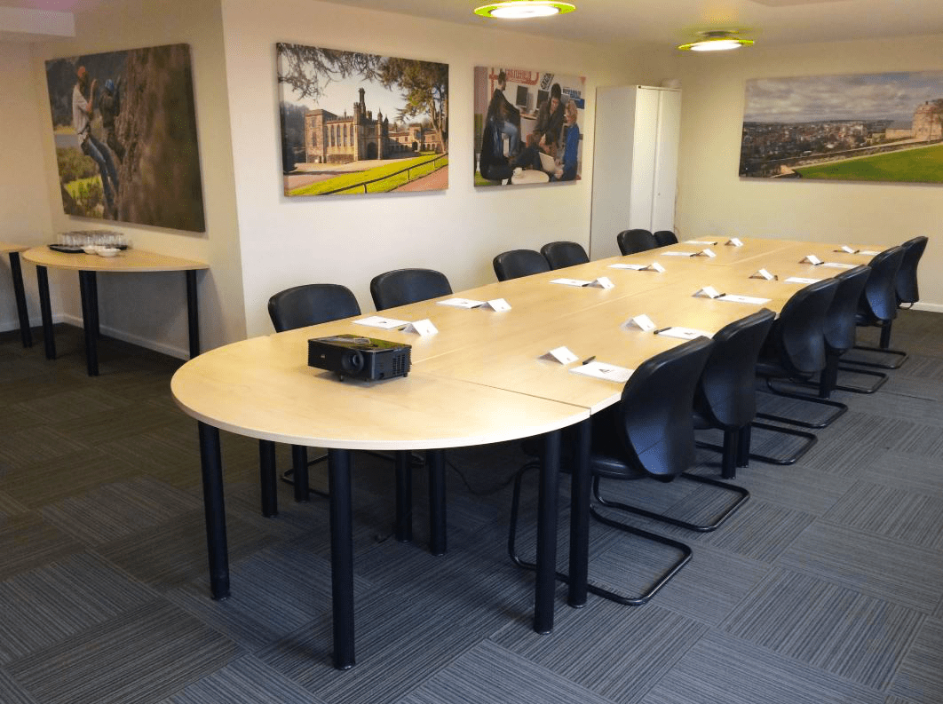 YHA London St Pancras meeting room