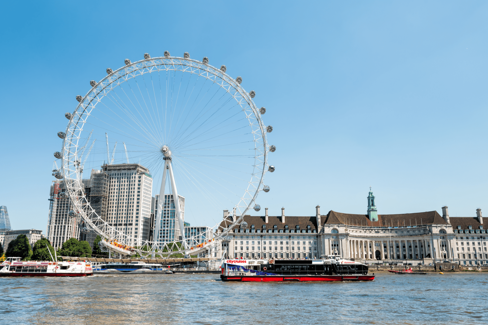 Boat tours in London